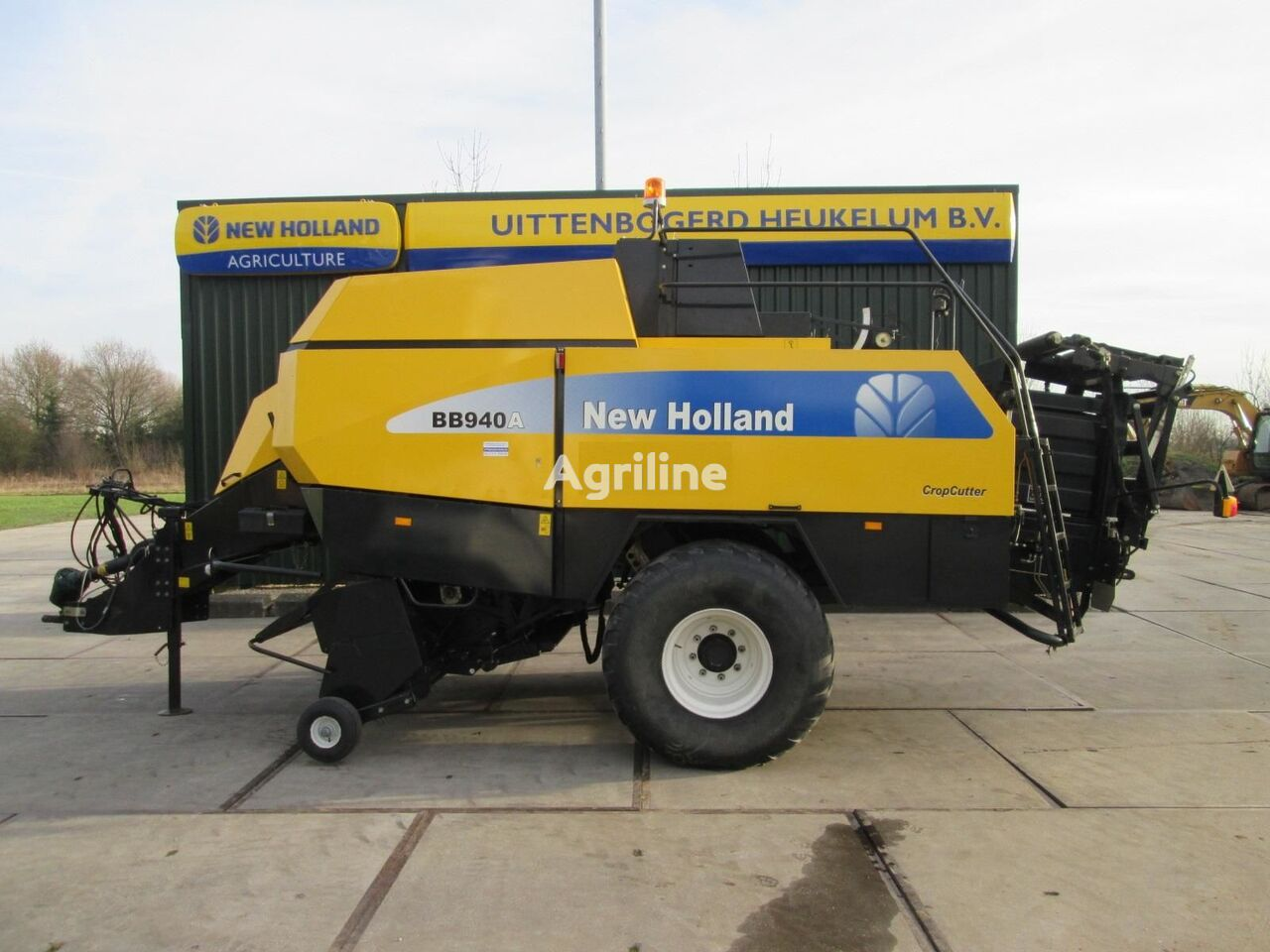 NEW HOLLAND BB940A square baler