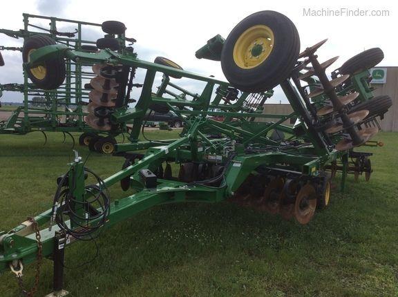 JOHN DEERE 2720 stubble cultivator
