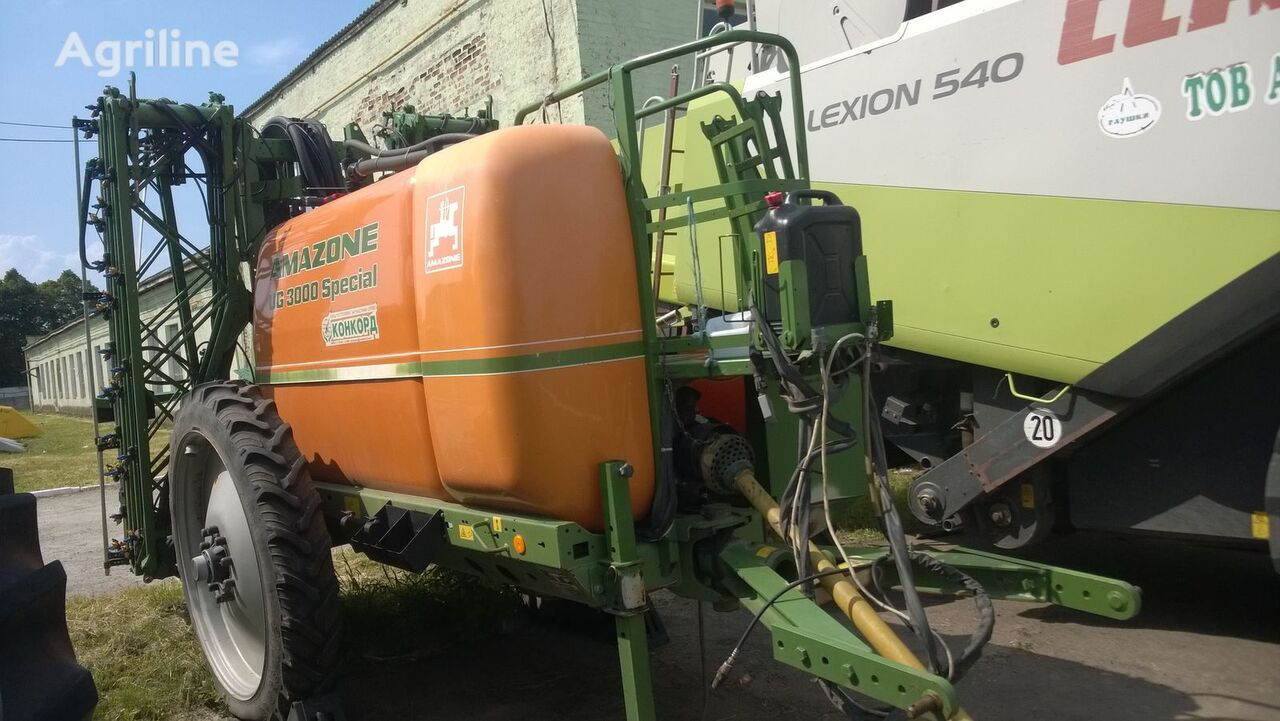 AMAZONE UG 3000  trailed sprayer