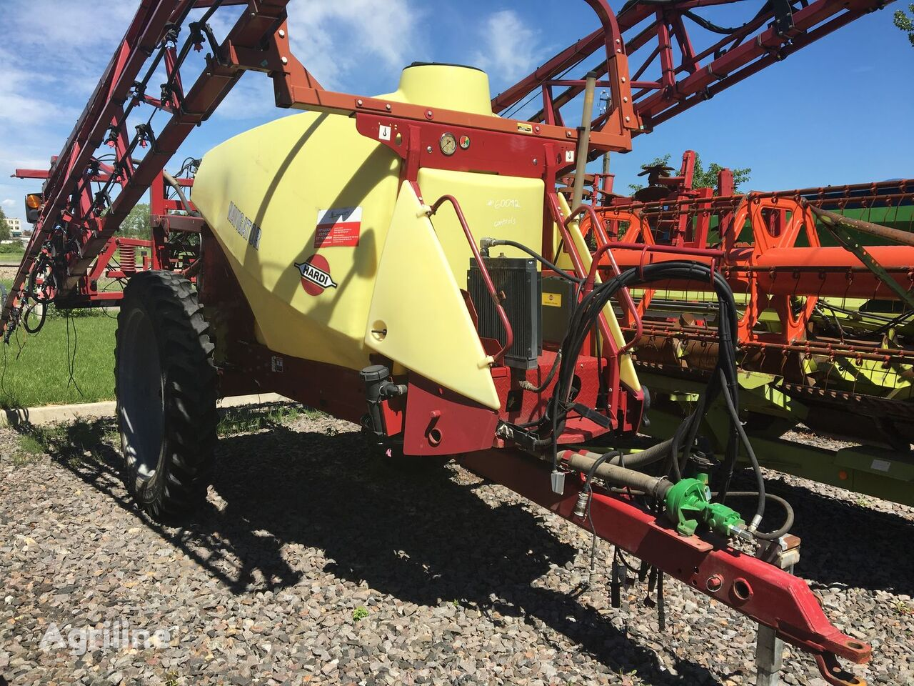 HARDI NAVIGATOR 4000 trailed sprayer
