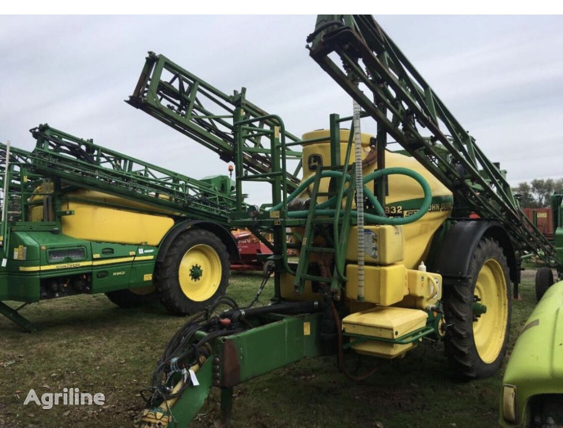 JOHN DEERE 832SE trailed sprayer