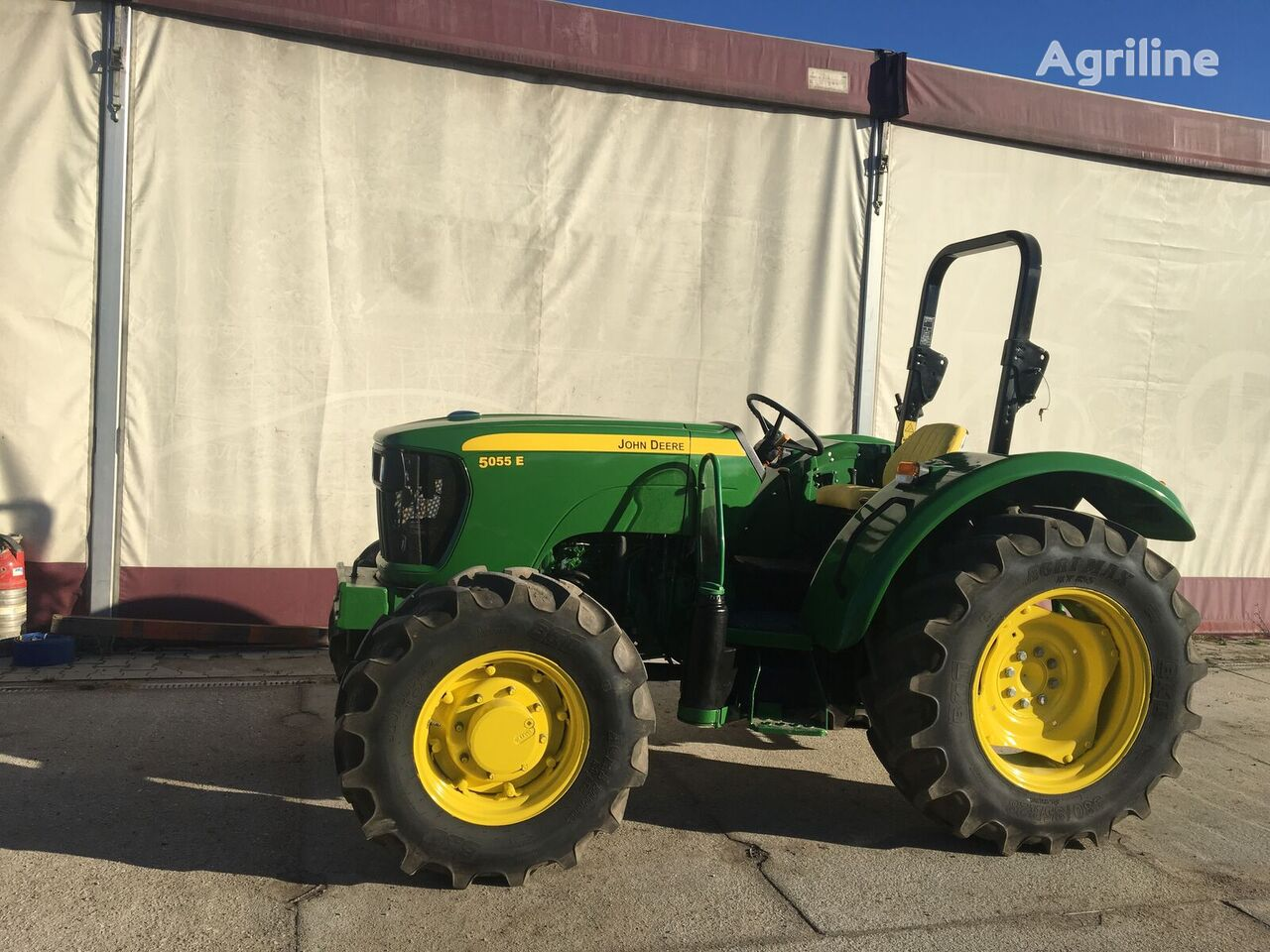 JOHN DEERE 5055E wheel tractor