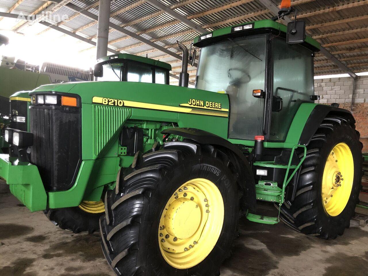 JOHN DEERE 8210 wheel tractor