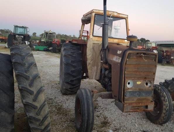 MASSEY FERGUSON 275 wheel tractor