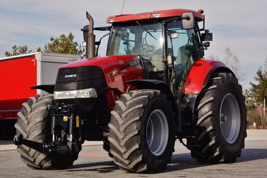 CASE IH PUMA 210 MULTICONTROLER 2 xPTO PERFECT CONDITION ! I reg. 2011 ! wheel tractor