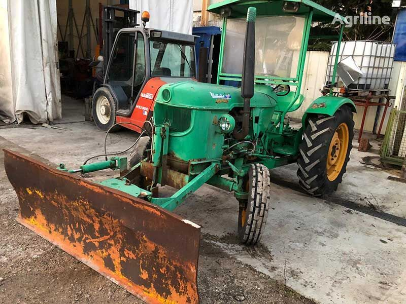 DEUTZ-FAHR wheel tractor