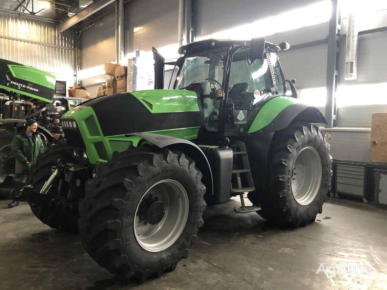 DEUTZ-FAHR Agrotron X720 wheel tractor