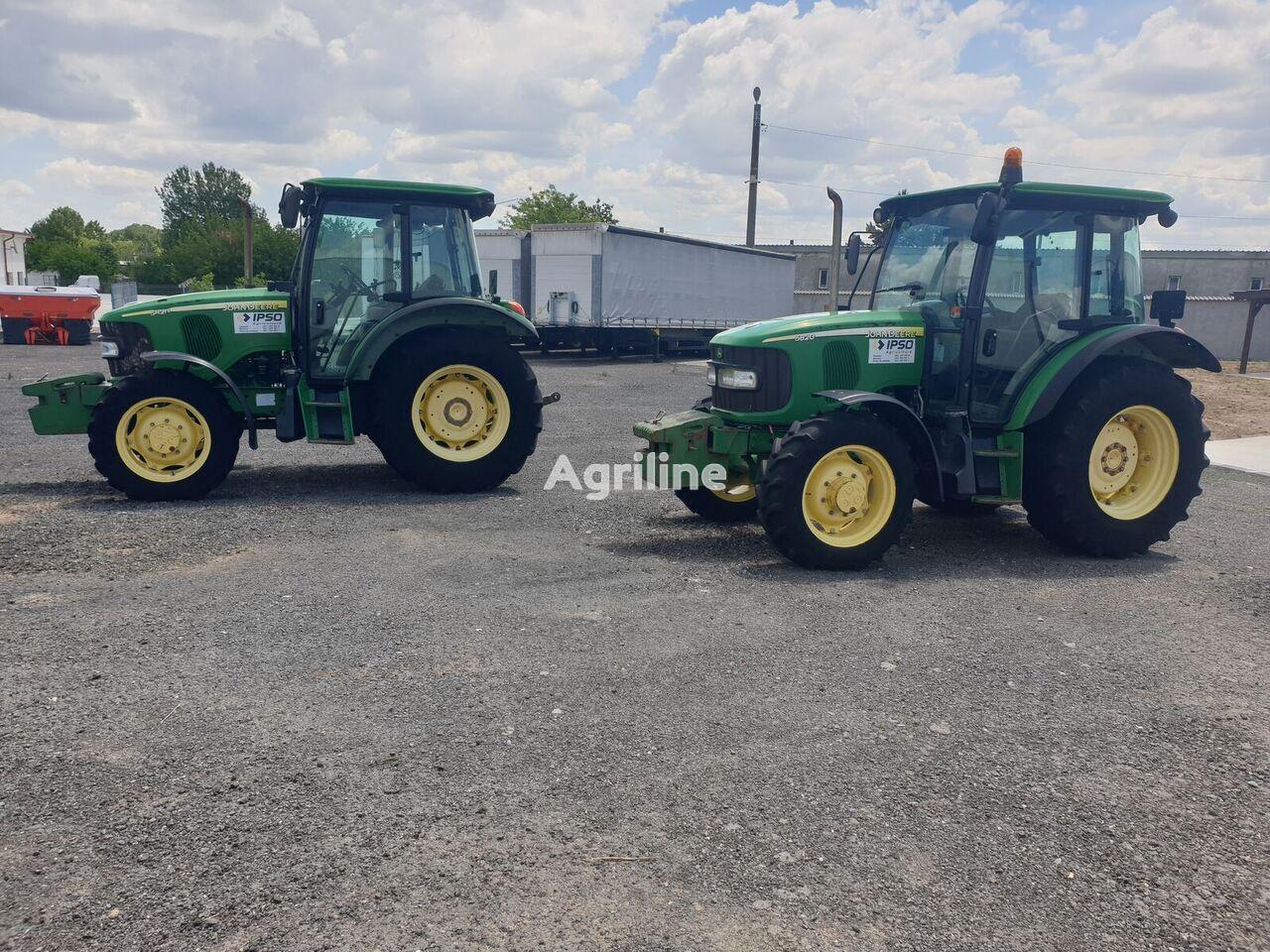 JOHN DEERE 5820 wheel tractor