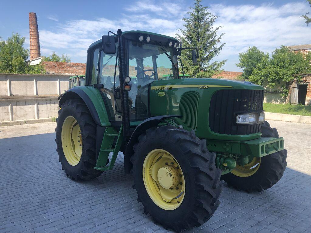 JOHN DEERE 6520 wheel tractor