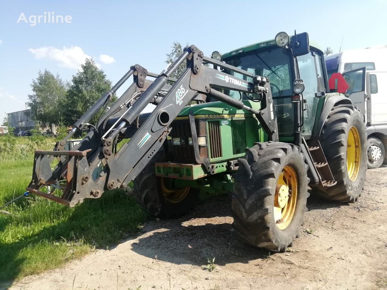JOHN DEERE 6900 wheel tractor