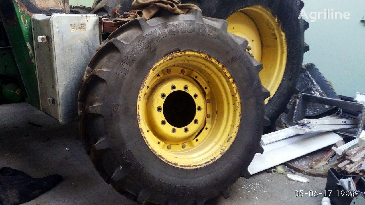 JOHN DEERE 7810 wheel tractor