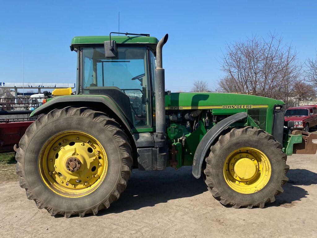JOHN DEERE 8200 v nayavnosti v Ukrayini! wheel tractor