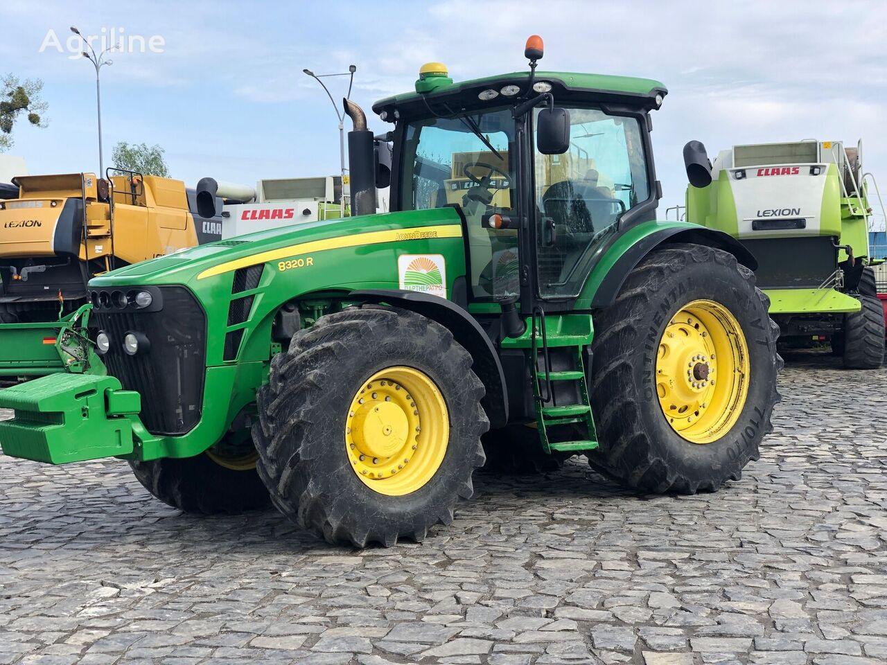 JOHN DEERE 8320R wheel tractor