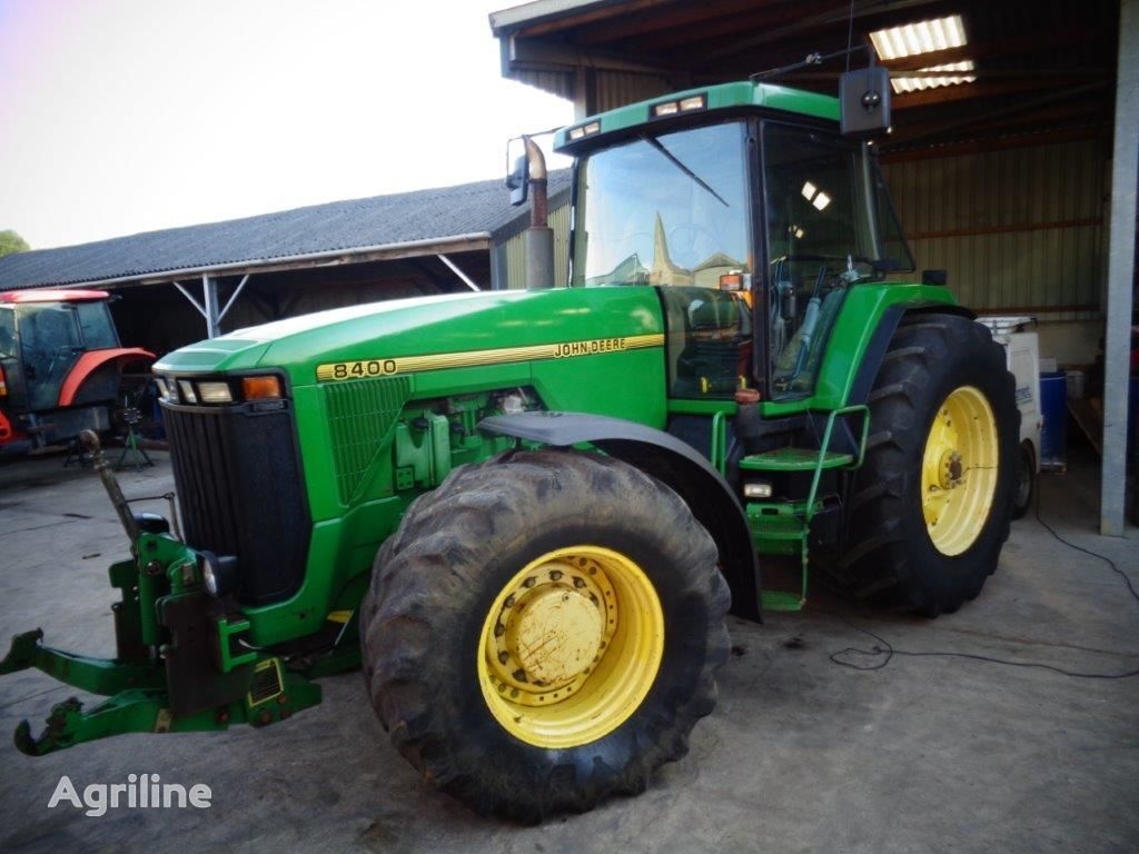 JOHN DEERE 8400 wheel tractor