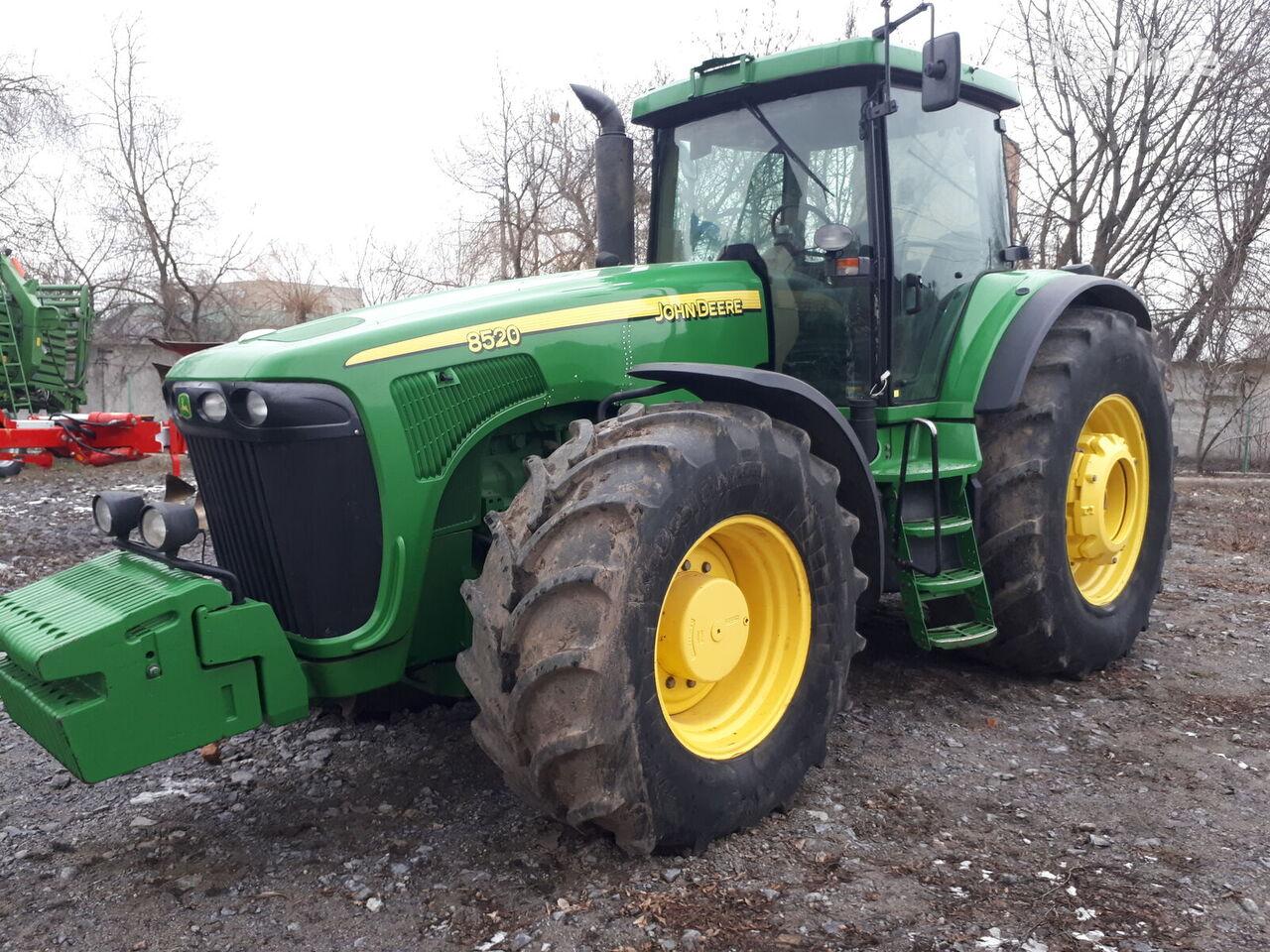 JOHN DEERE 8520 PowerShift  wheel tractor