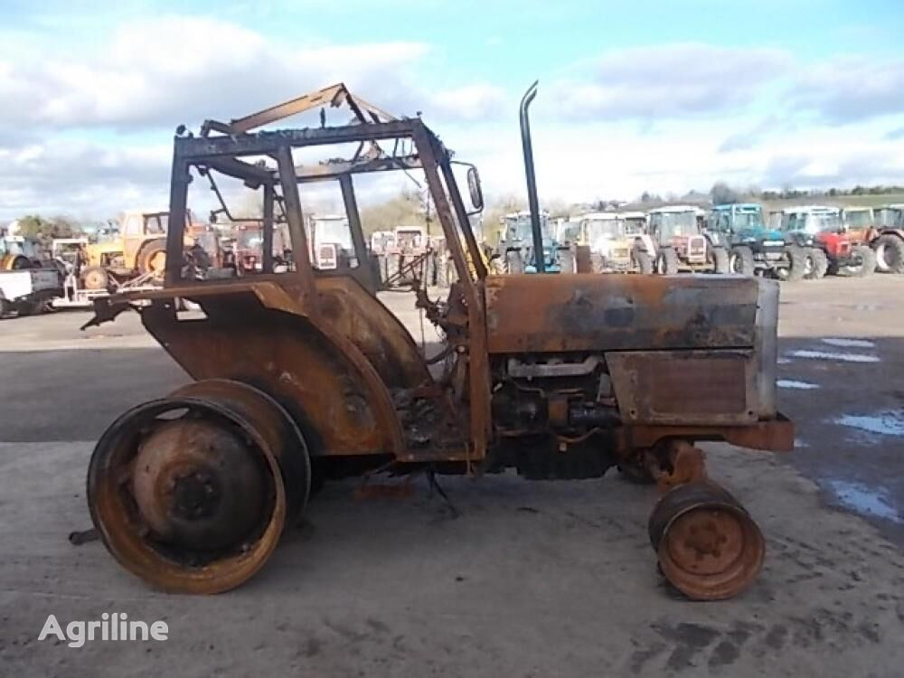 MASSEY FERGUSON 375 wheel tractor for parts