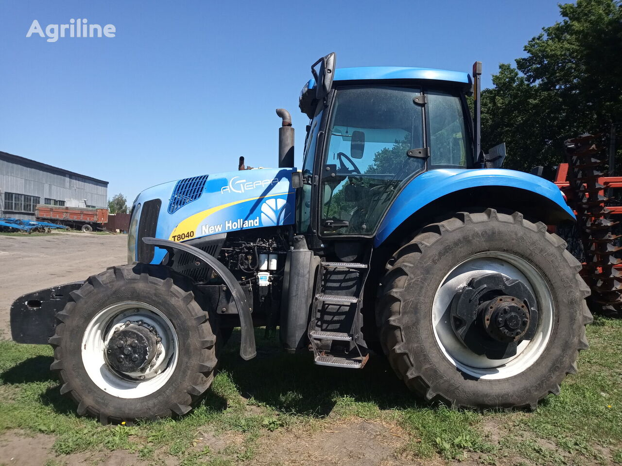 NEW HOLLAND T 8040 wheel tractor
