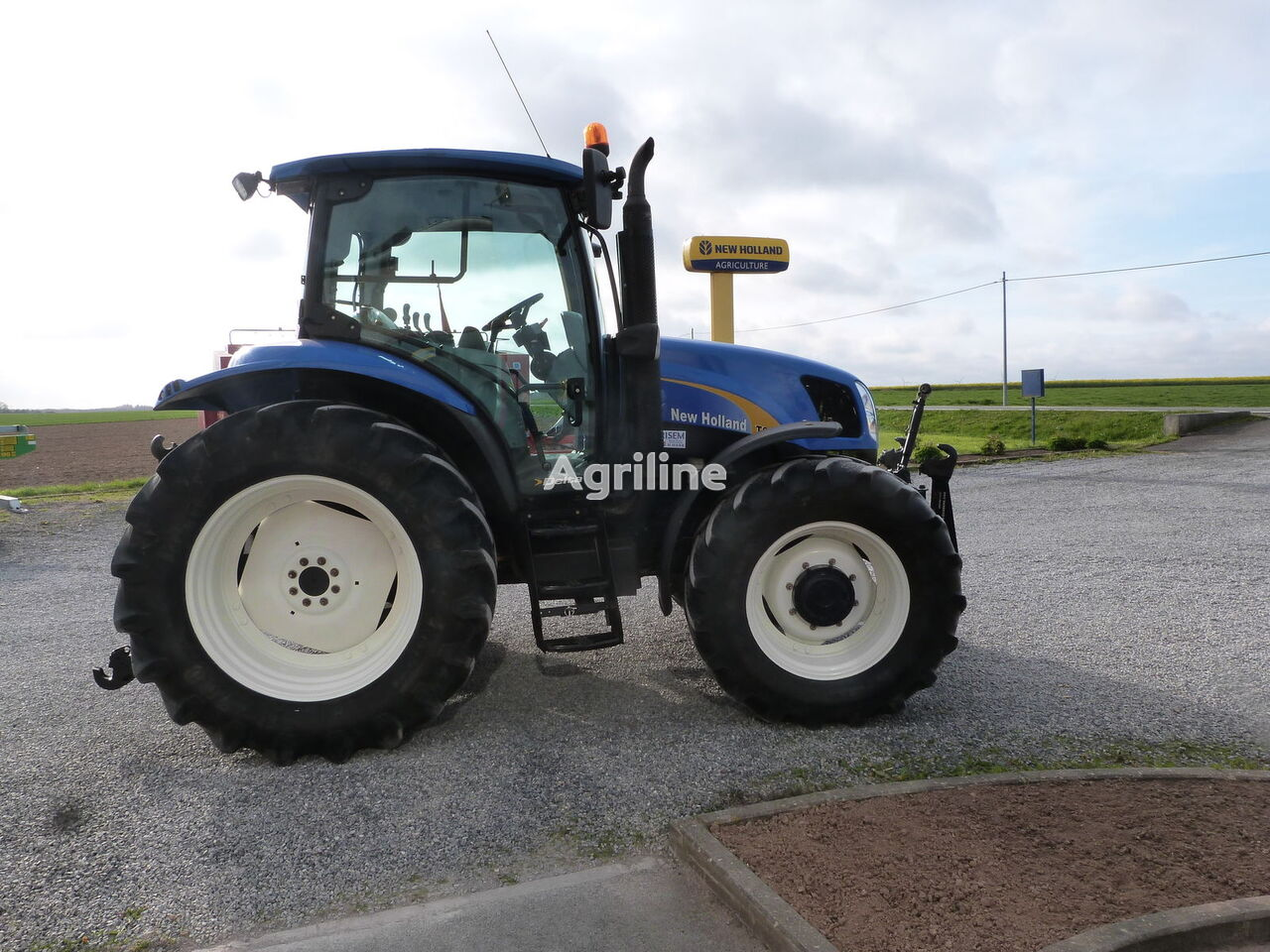 NEW HOLLAND T6010 DELTA CAB wheel tractor