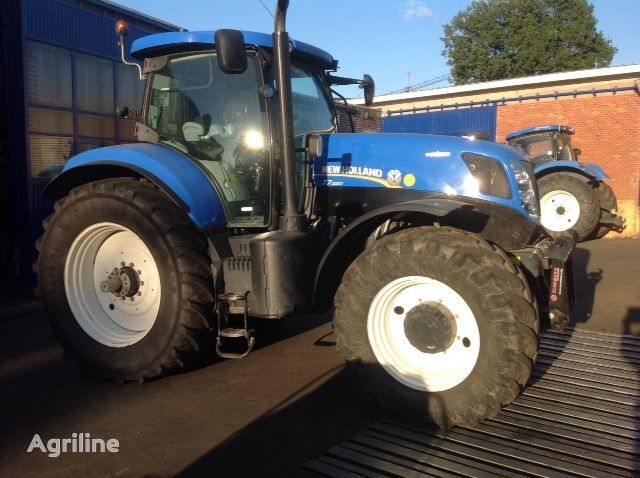 NEW HOLLAND T7.220 AUTO COMMAND wheel tractor