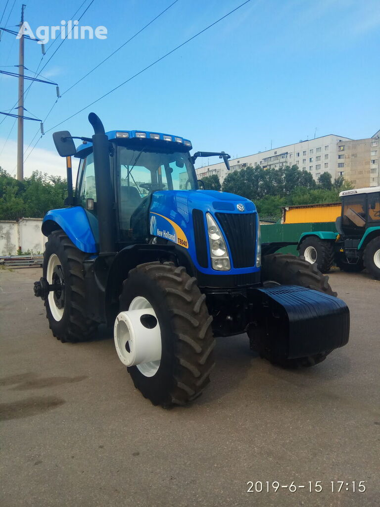 NEW HOLLAND T8040 wheel tractor
