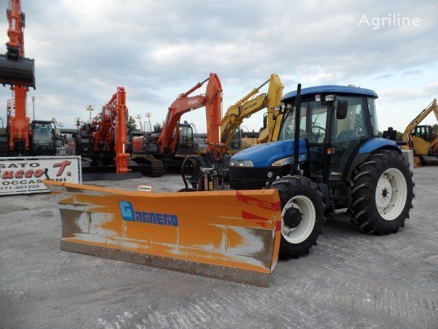 NEW HOLLAND TD90D wheel tractor