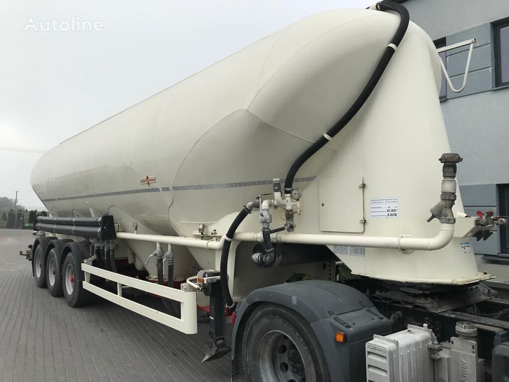 SPITZER SF 2755/4P flour tank trailer