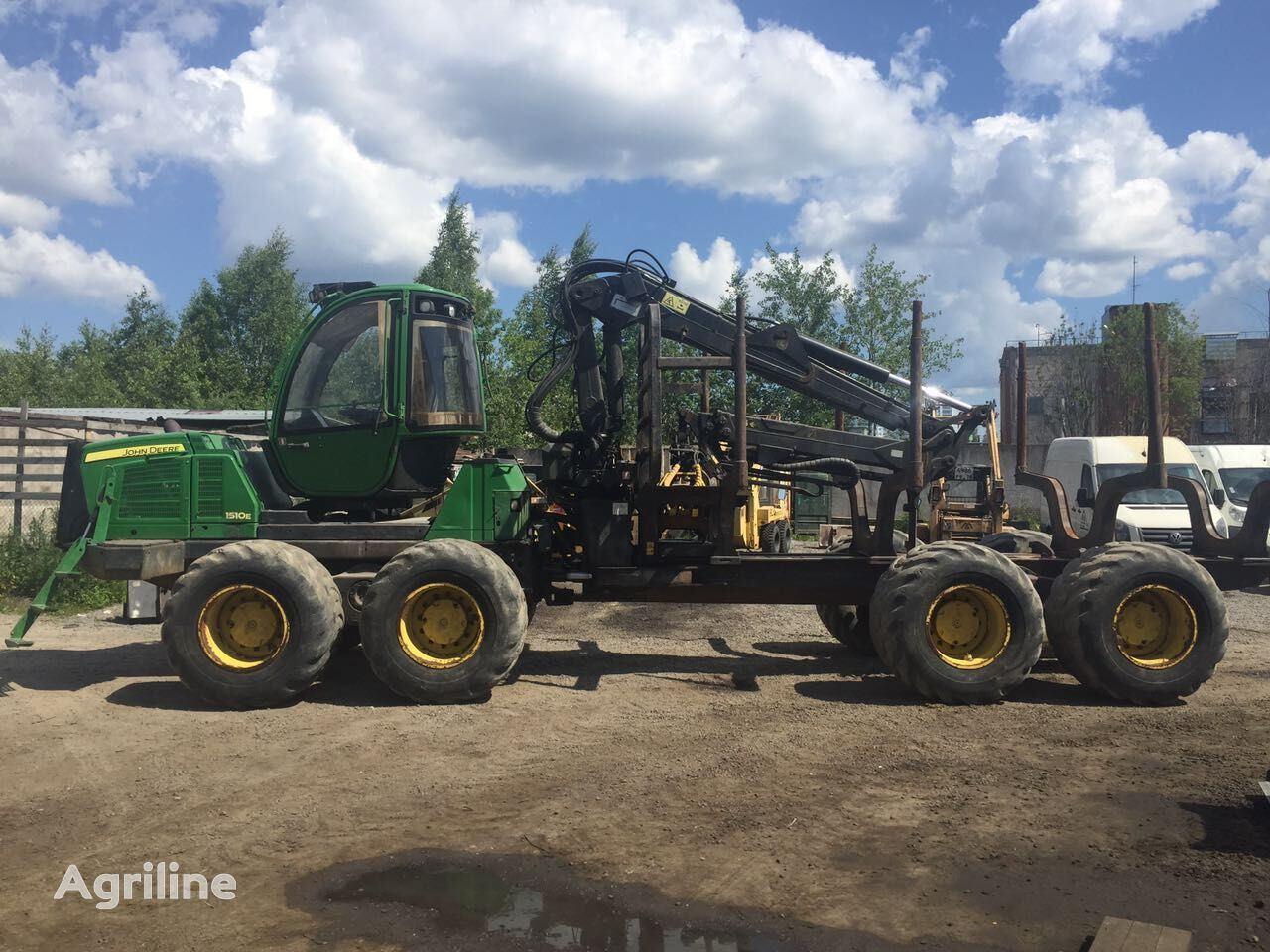 JOHN DEERE 1510E forwarder