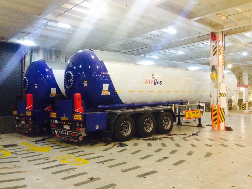 new YILTEKS Semi Trailer LPG Tank 57m3 gas tank trailer