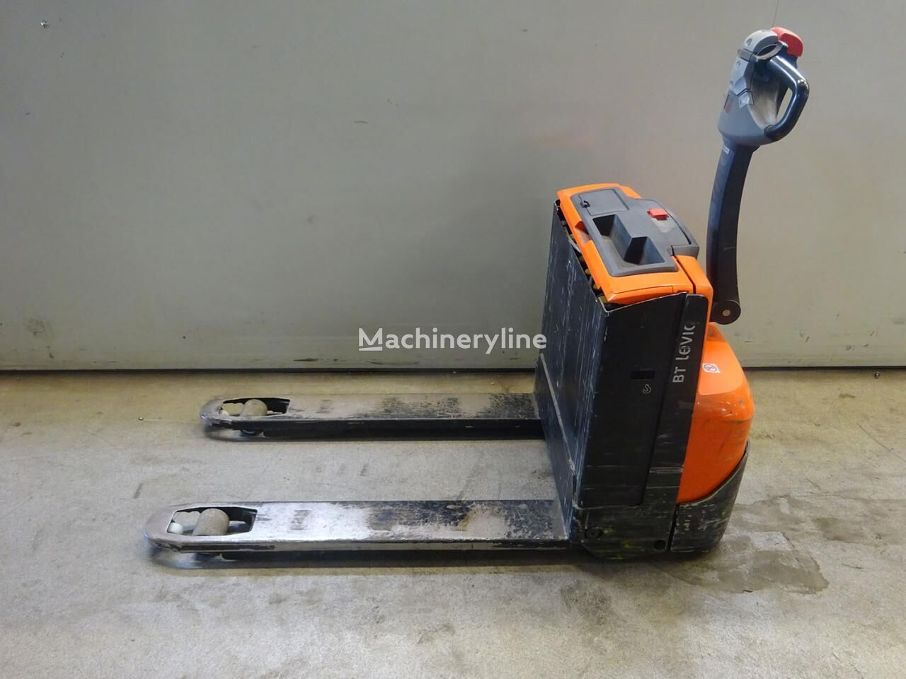 BT Levio LWE160 electric pallet truck