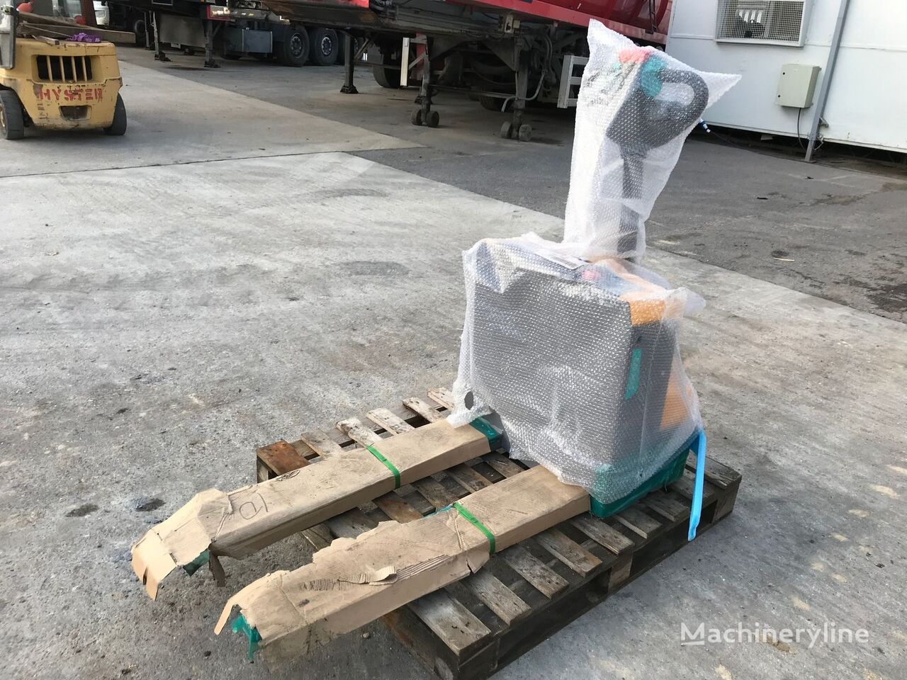 new JUNGHEINRICH EJE M15 electric pallet truck