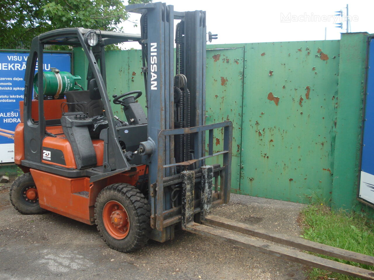 NISSAN UD02A20PQ forklift