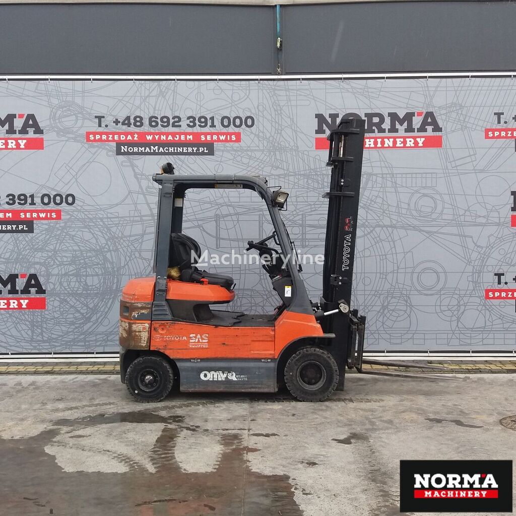 TOYOTA 7FBH25 forklift