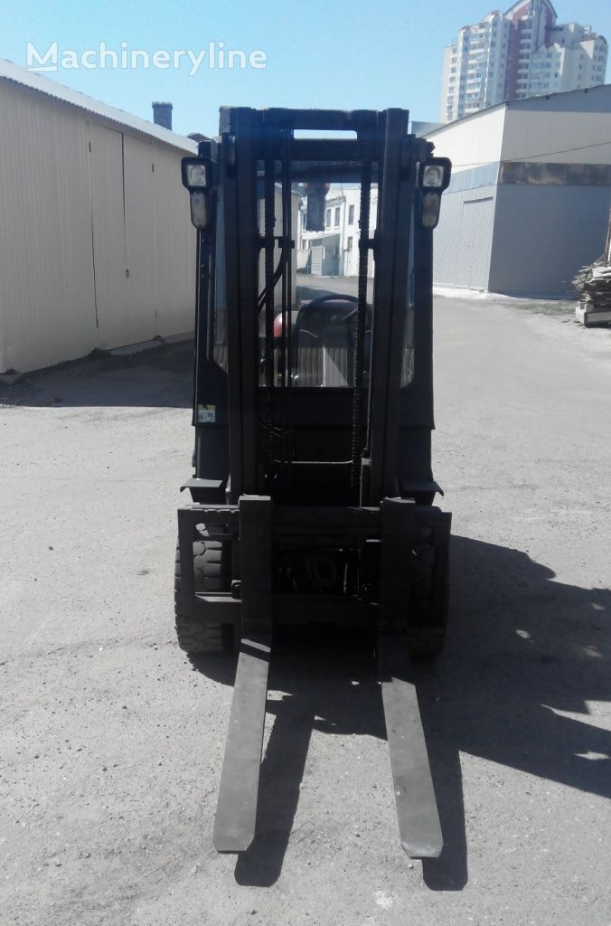 YALE GLP30TF  forklift