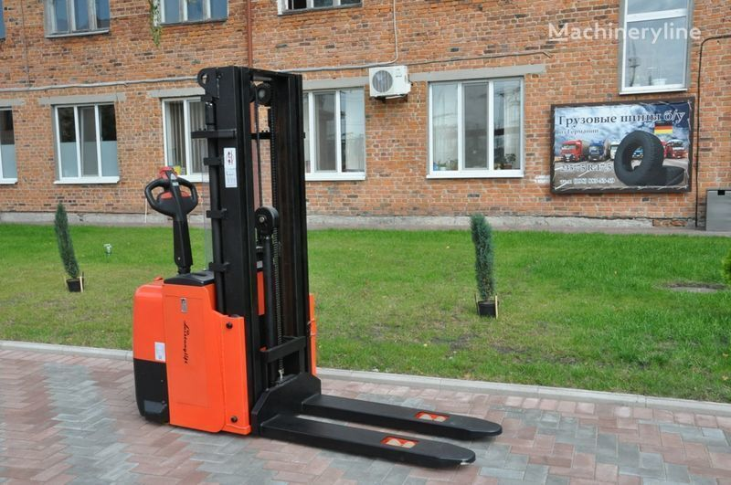 new Leistunglift WS1243T pallet stacker
