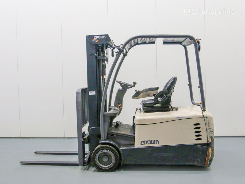 CROWN SC5360-2.0 three-wheel forklift