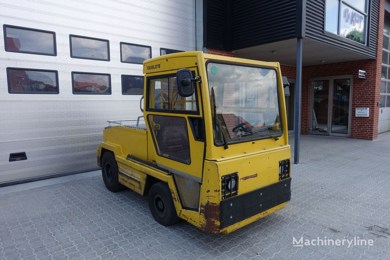CHARLATTE T 135 tow tractor