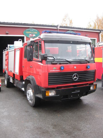 MERCEDES-BENZ 1320 fire truck