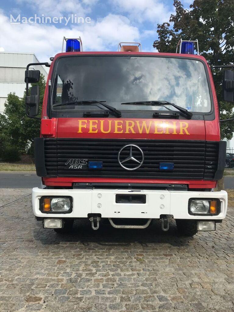 MERCEDES-BENZ TRO-TLF, 250 Kg Pulver und 1200 Liter Wassertank fire truck