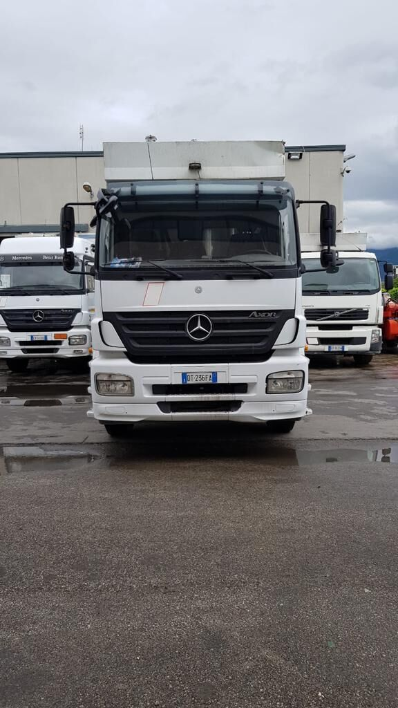 MERCEDES-BENZ garbage truck