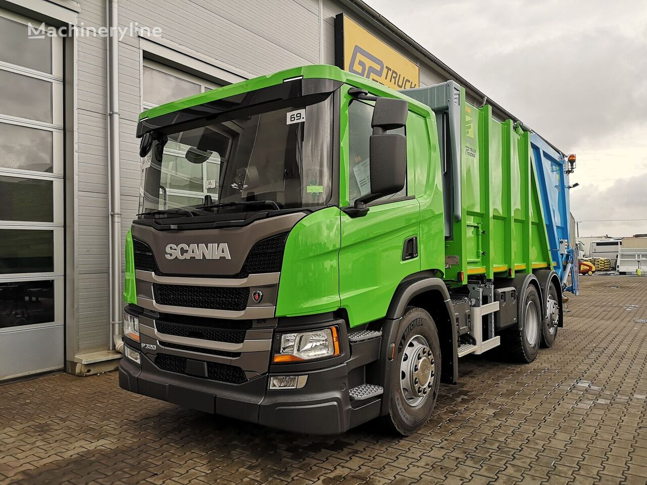 SCANIA P320 garbage truck