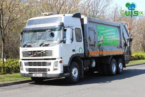VOLVO FM9 300 BREAKING garbage truck for parts