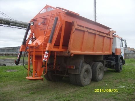 new MAZ gritter