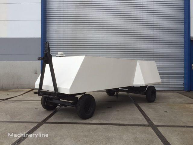 Delta 300 water tank trailer other airport equipment