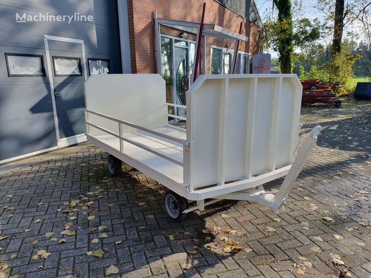 YUMBO CPE / 1600 Baggage cart other airport equipment