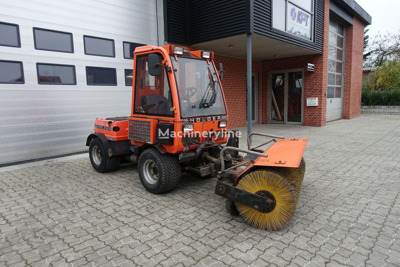 HOLDER C240 road sweeper