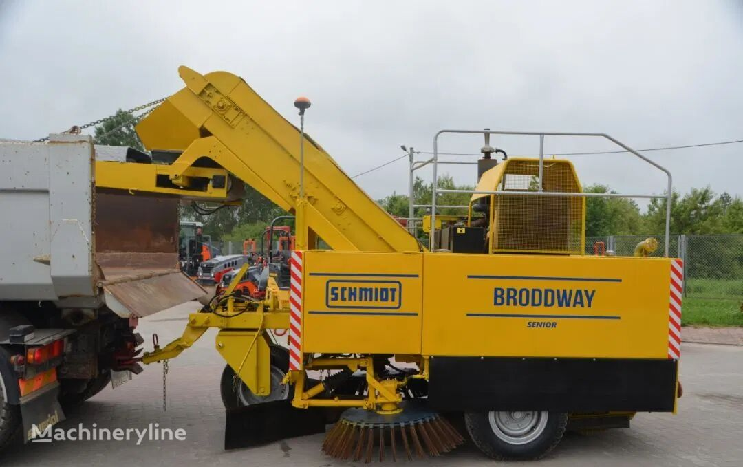 SCHMIDT BRODDWAY HD SENIOR road sweeper