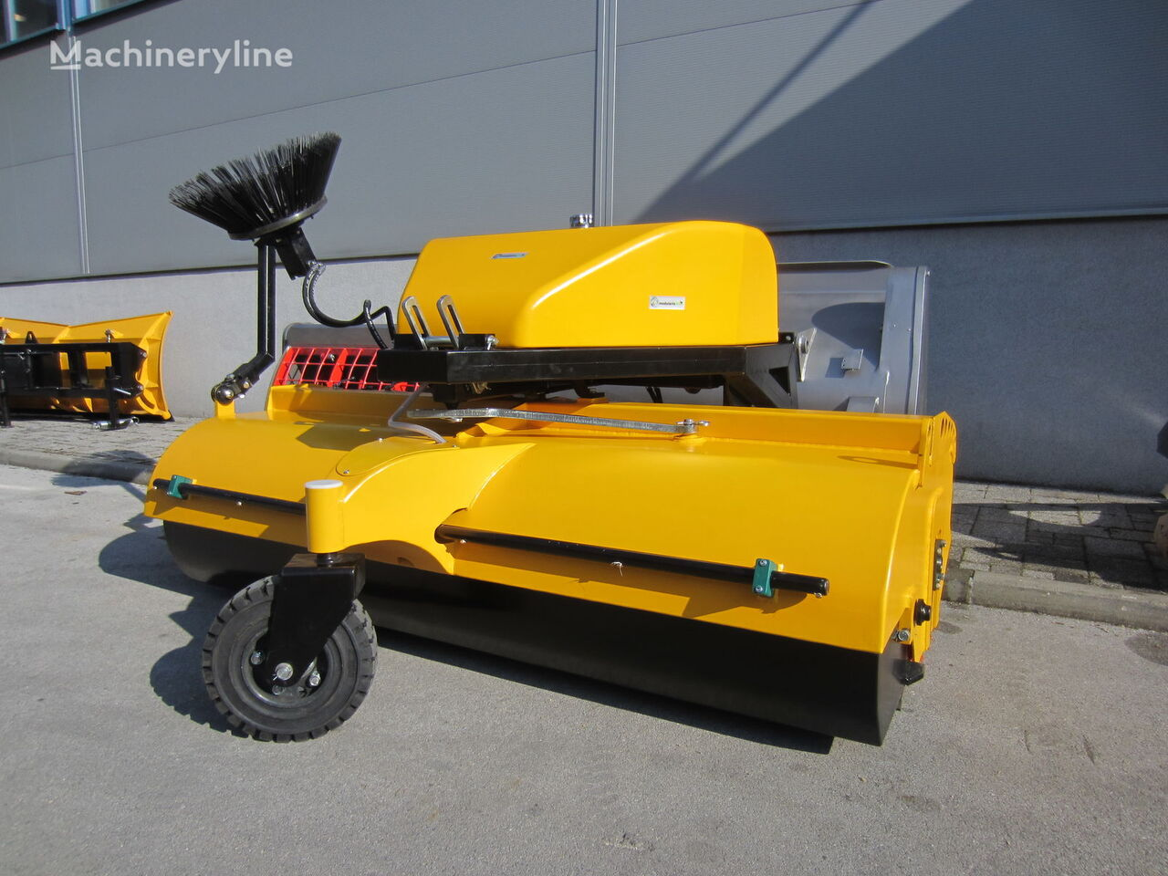 new Sweeper  road sweeper