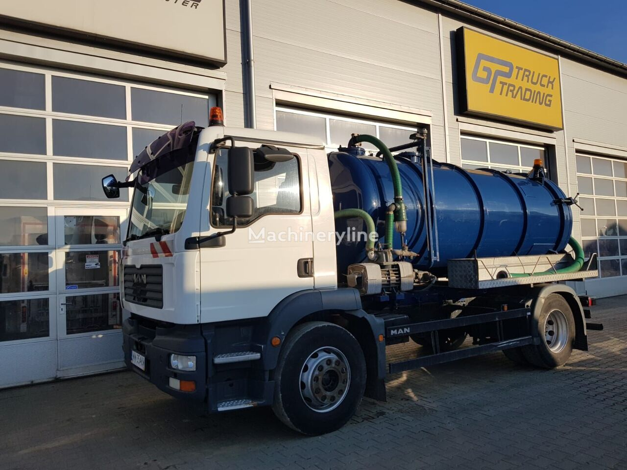 MAN TGM 18 240 vacuum truck