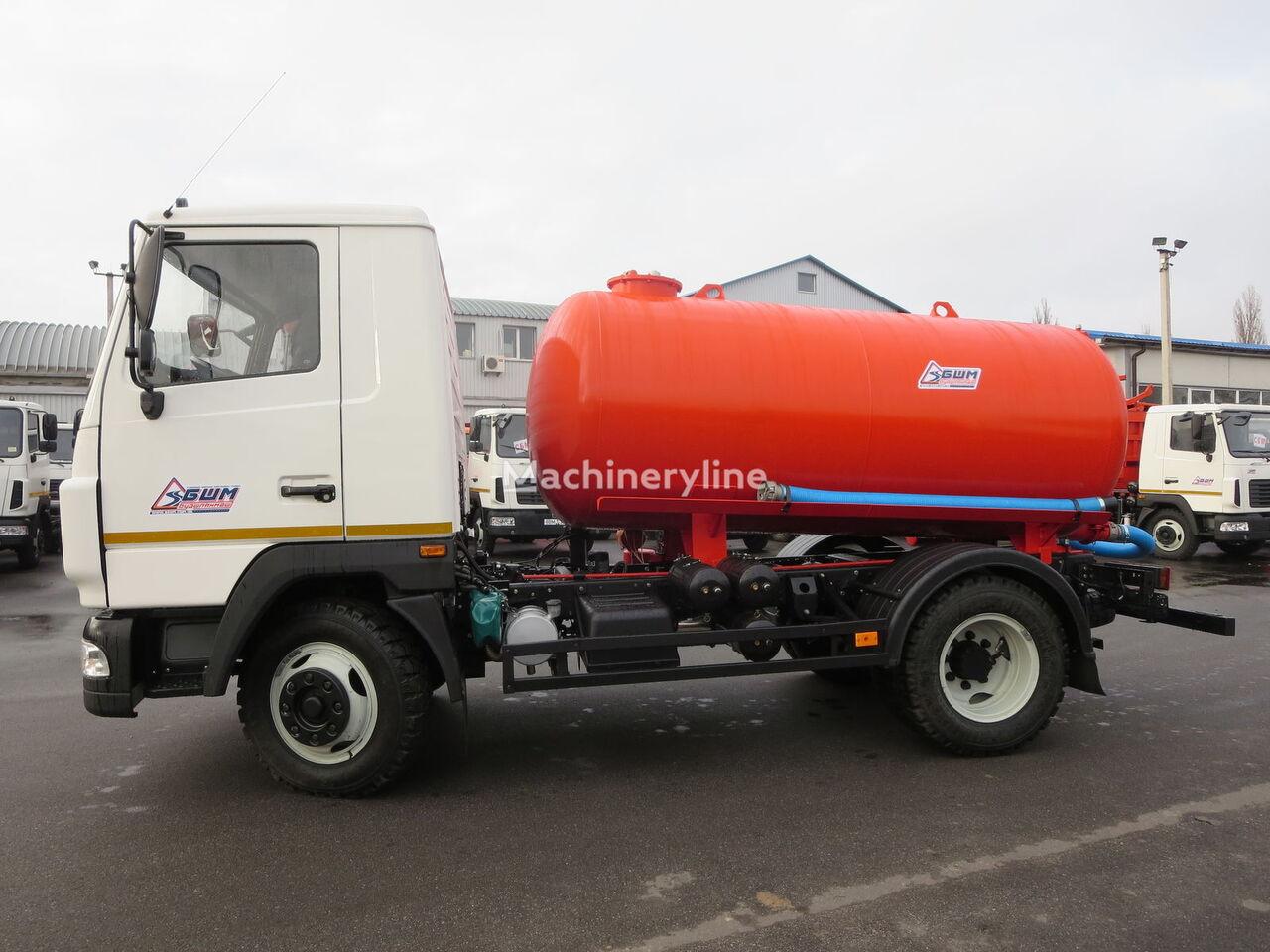 new MAZ 4371 vacuum truck