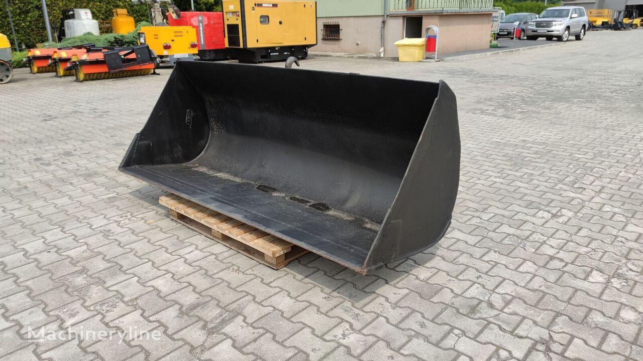 ładowarki MANITOU - 1m3 other equipment